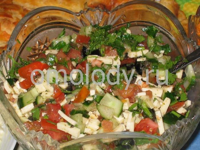 Tomato salad with cheese