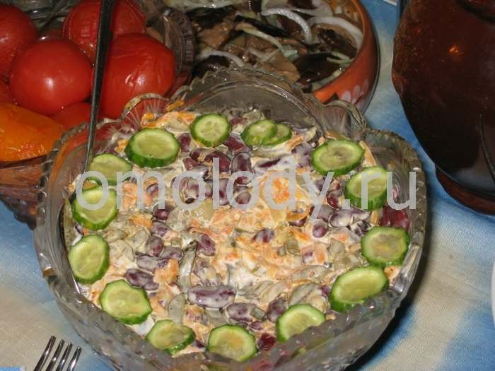 Beans with cucumbers Salad